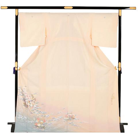 手描き友禅と金彩の技術を融合させた金彩友禅の第一人者、和田光正氏の色留袖のネット着物レンタルと、実際に利用された方の評判と口コミをまとめています。
